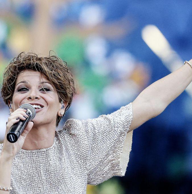 """Alessandra Amoroso, nuovo singolo """"Trova un modo"""": testo, dichiarazioni"""
